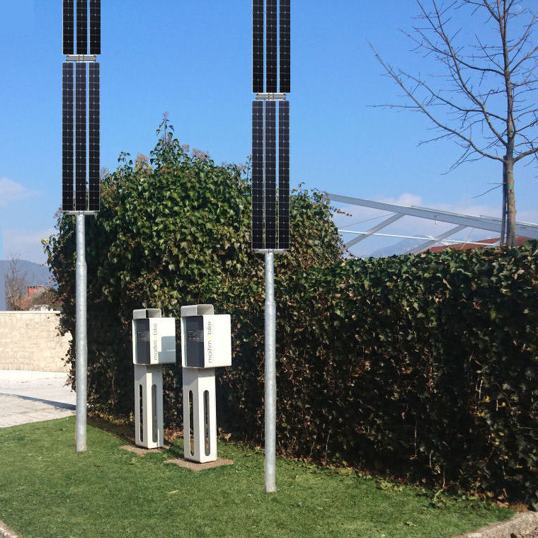 nasi-projekti-polnilne-postaje-z-mikro-soncnimi-elektrarnami